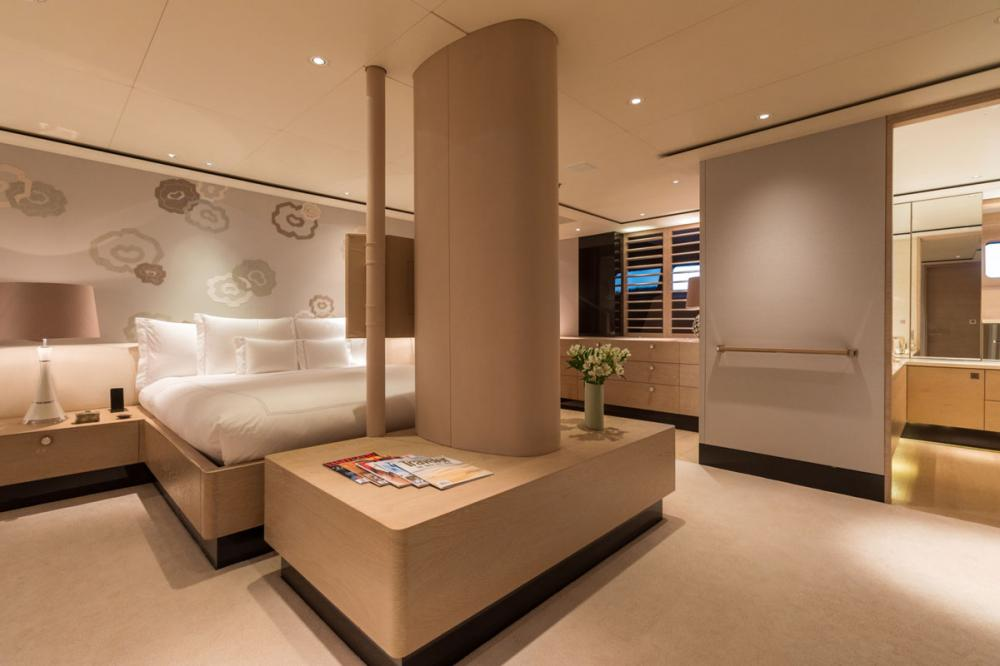 TWIZZLE - Luxury Sailing Yacht For Charter - 1 MASTER CABIN - Img 4   C&N