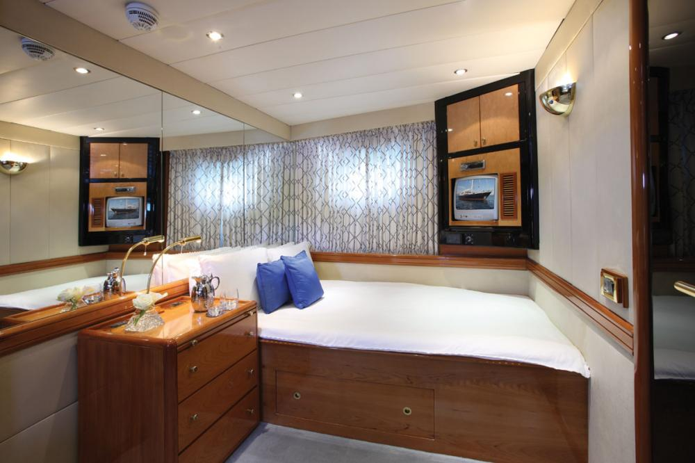 UNPLUGGED - Luxury Sailing Yacht For Charter - 1 MASTER CABIN - Img 2   C&N