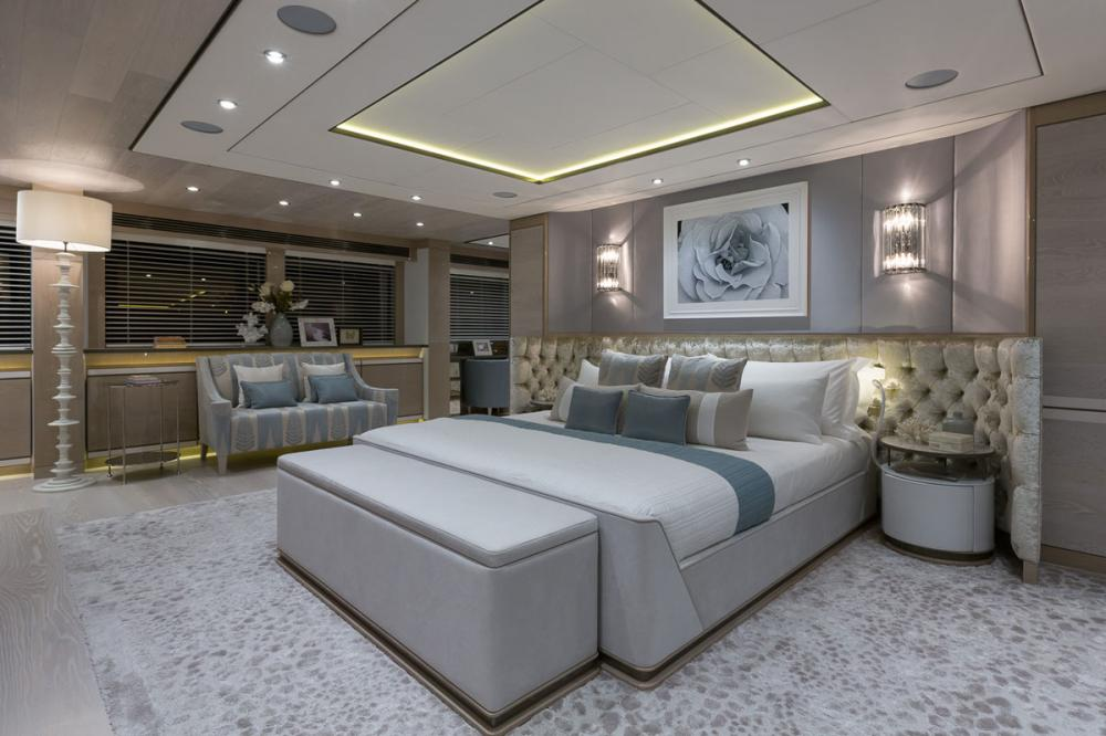 THUMPER - Luxury Motor Yacht For Charter - 1 MASTER CABIN - Img 1 | C&N