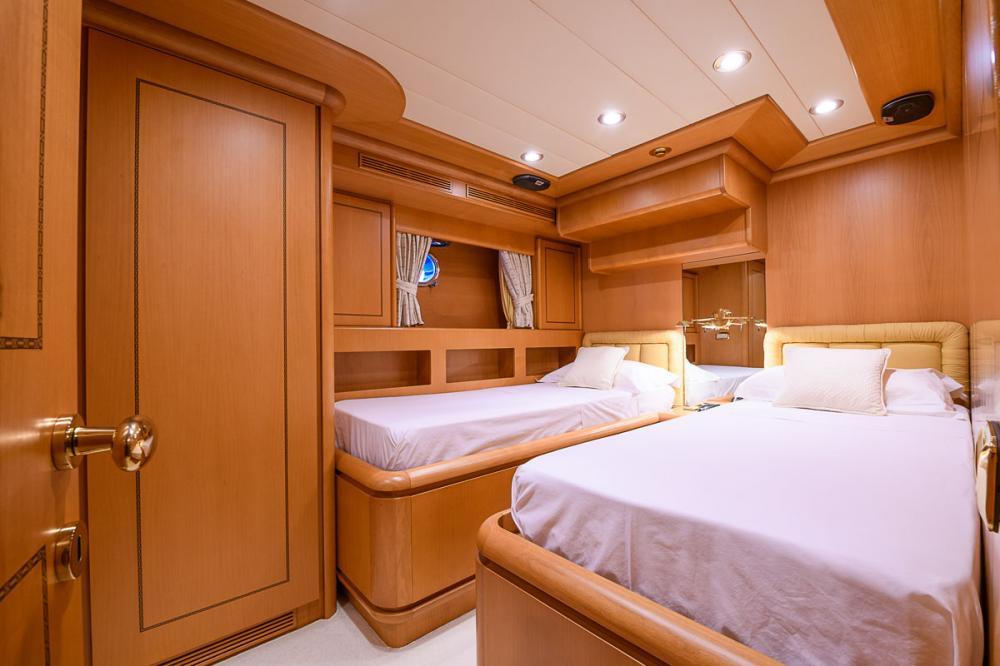 VIRGEN DEL MAR V - Luxury Motor Yacht For Sale - 2 GUEST CABINS - Img 2   C&N