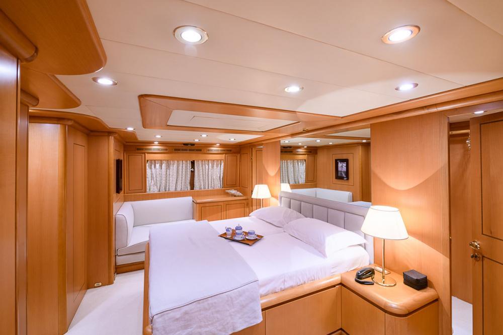 VIRGEN DEL MAR V - Luxury Motor Yacht For Sale - 1 MASTER CABIN   1 VIP CABIN - Img 1   C&N