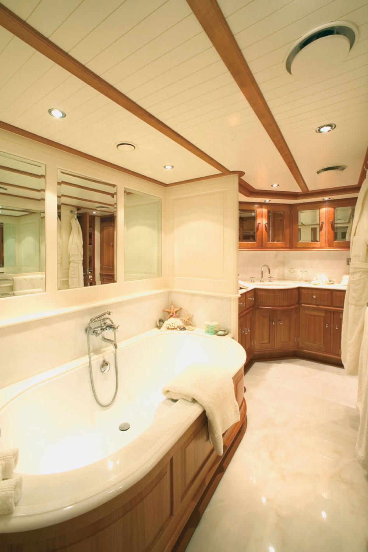 WELLENREITER - Luxury Sailing Yacht For Sale - 1 MASTER CABIN - Img 1   C&N
