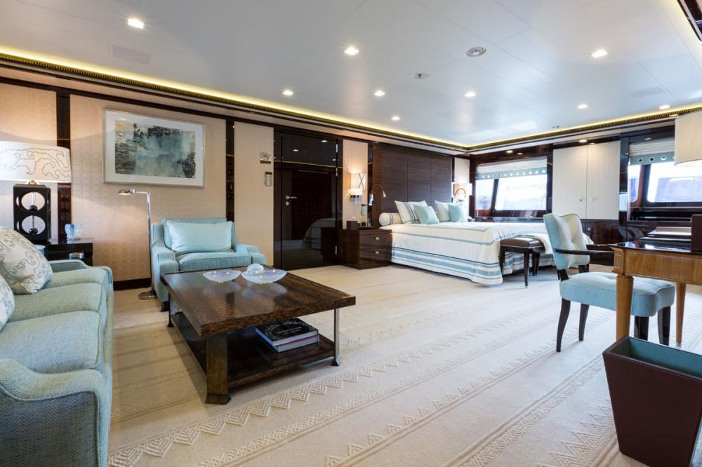 AXIOMA - Luxury Motor Yacht For Charter - 1 VIP CABIN - Img 1 | C&N