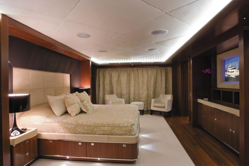 MARAYA - Luxury Motor Yacht For Charter - 1 MASTER CABIN - Img 2 | C&N