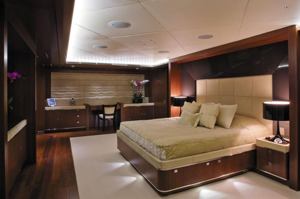 MARAYA - Luxury Motor Yacht For Charter - 1 MASTER CABIN - Img 1 | C&N