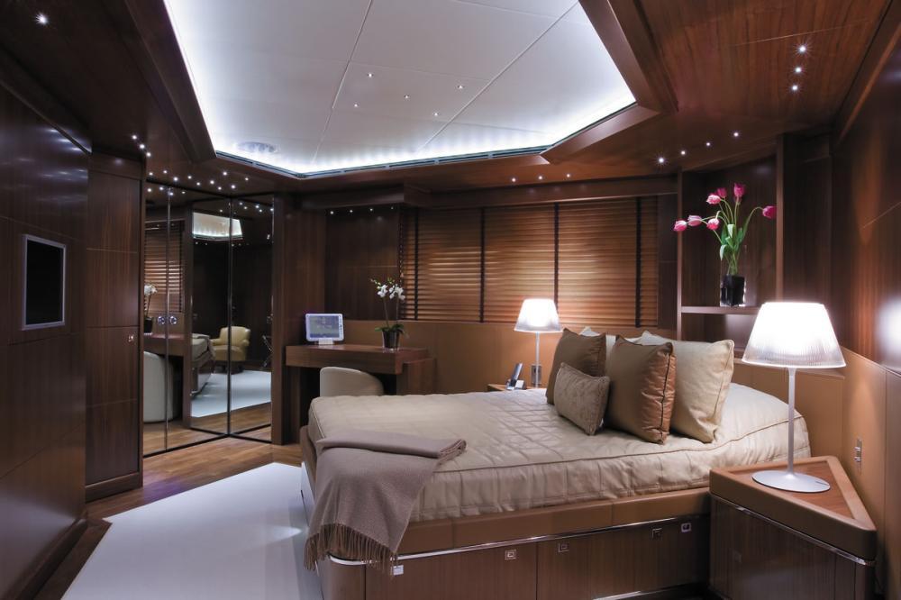MARAYA - Luxury Motor Yacht For Charter - 3 DOUBLE CABINS - Img 2 | C&N