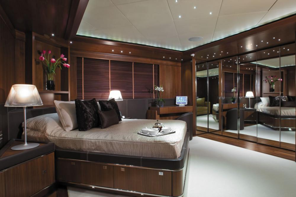 MARAYA - Luxury Motor Yacht For Charter - 3 DOUBLE CABINS - Img 1 | C&N