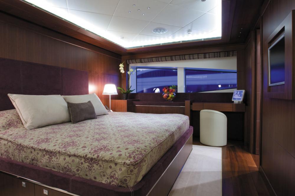 MARAYA - Luxury Motor Yacht For Charter - 3 DOUBLE CABINS - Img 3 | C&N