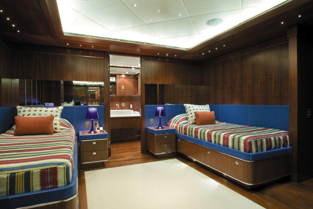 MARAYA - Luxury Motor Yacht For Charter - 2 TWIN CABINS - Img 2 | C&N