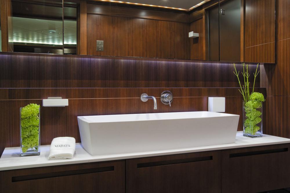MARAYA - Luxury Motor Yacht For Charter - 3 DOUBLE CABINS - Img 5 | C&N
