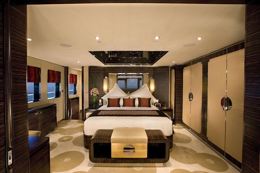 DOROTHEA III - Luxury Motor Yacht For Sale - 1 MASTER CABIN - Img 1 | C&N