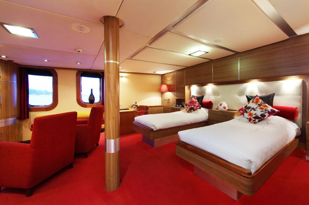 SHERAKHAN - Luxury Motor Yacht For Charter - 12 GUEST CABINS - Img 5 | C&N