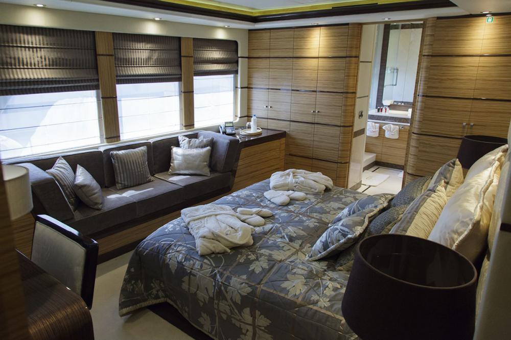I SEA - Luxury Motor Yacht For Charter - 2 DOUBLE CABINS - Img 2 | C&N