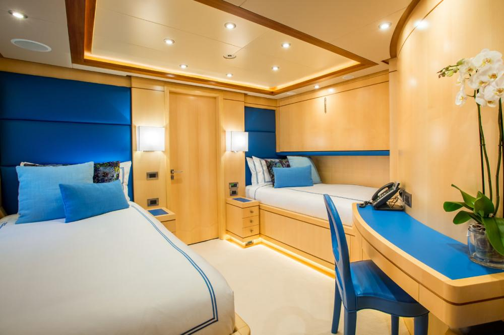 BLUE VISION - Luxury Motor Yacht For Charter - 2 TWIN CABINS - Img 2 | C&N