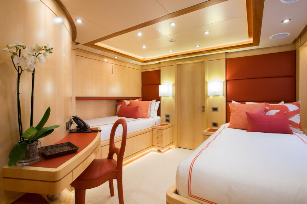 BLUE VISION - Luxury Motor Yacht For Charter - 2 TWIN CABINS - Img 1 | C&N