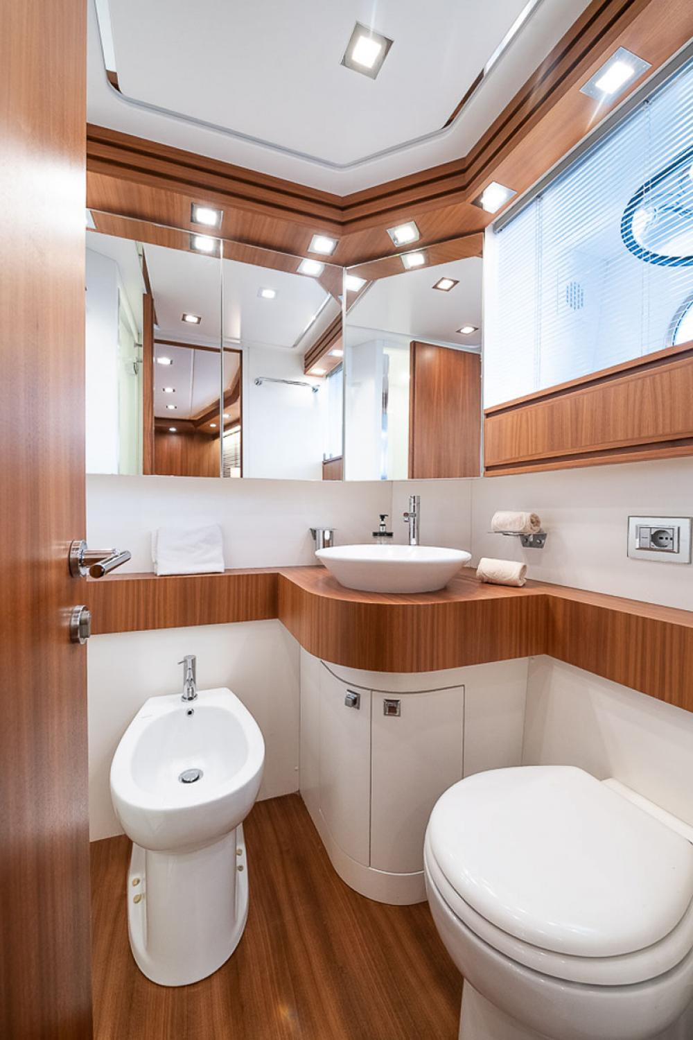STRAVAGANZA - Luxury Motor Yacht For Sale - 1 DOUBLE CABIN - Img 4   C&N
