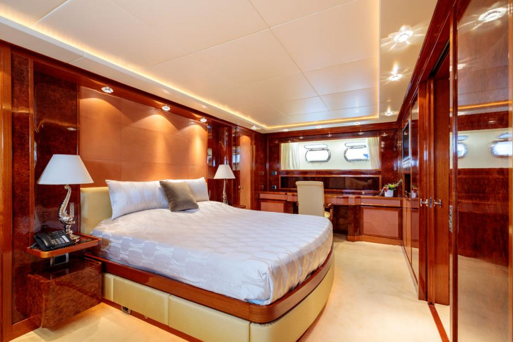 OVAL - Luxury Motor Yacht For Sale - 1 MASTER CABIN - Img 1   C&N