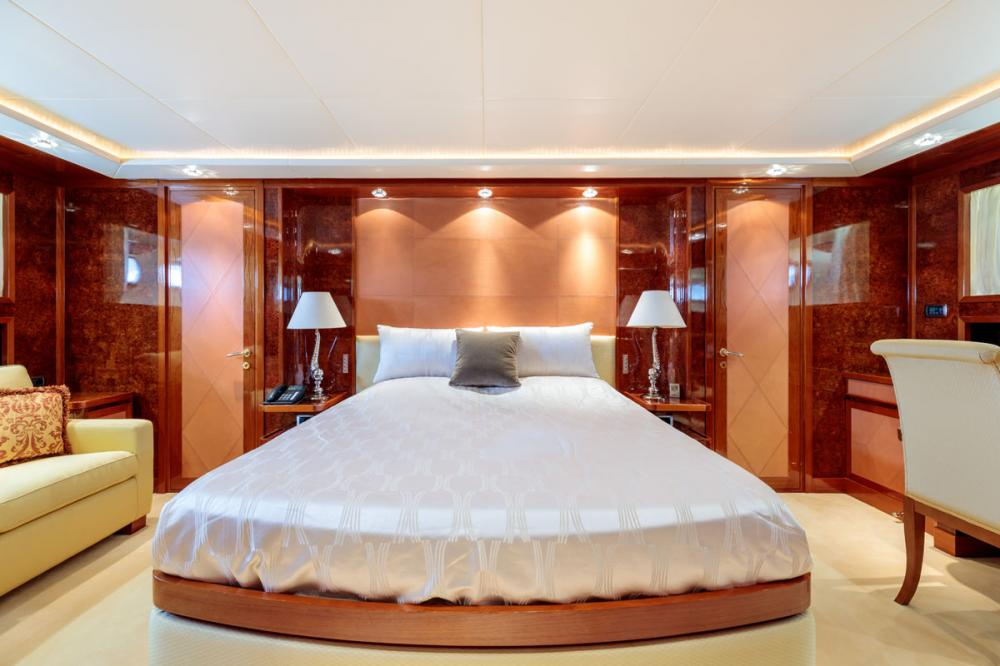 OVAL - Luxury Motor Yacht For Sale - 1 MASTER CABIN - Img 2   C&N