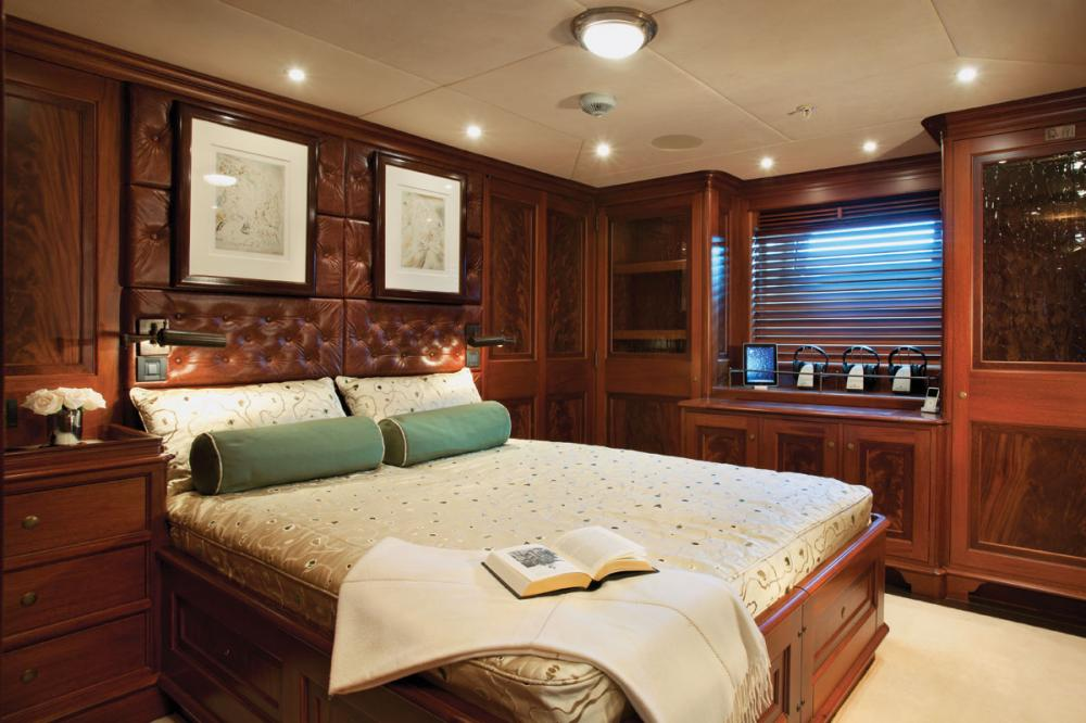 TIARA - Luxury Sailing Yacht For Charter - 2 DOUBLE CABINS - Img 2 | C&N