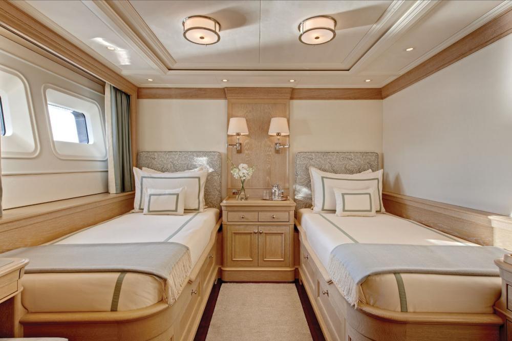 Fabulous Character - Luxury Motor Yacht For Charter - 2 TWIN CABINS - Img 1   C&N