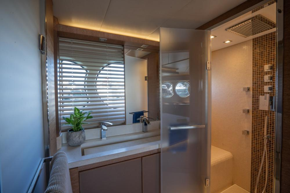 Beethoven - Luxury Motor Yacht For Sale - 1 DOUBLE CABIN/ 1 TWIN CABIN - Img 2 | C&N