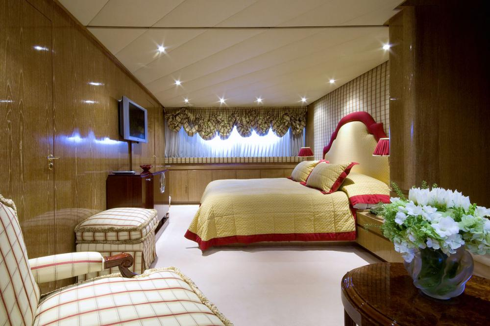 Whispers - Luxury Motor Yacht For Sale - 1 MASTER CABIN - Img 1 | C&N