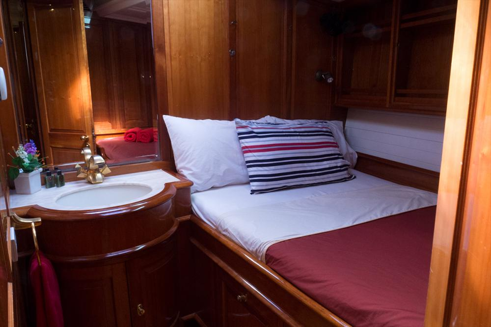 APHRODITE - Luxury Sailing Yacht For Charter - 1 MASTER CABIN | 2 TWIN CABINS - Img 2 | C&N