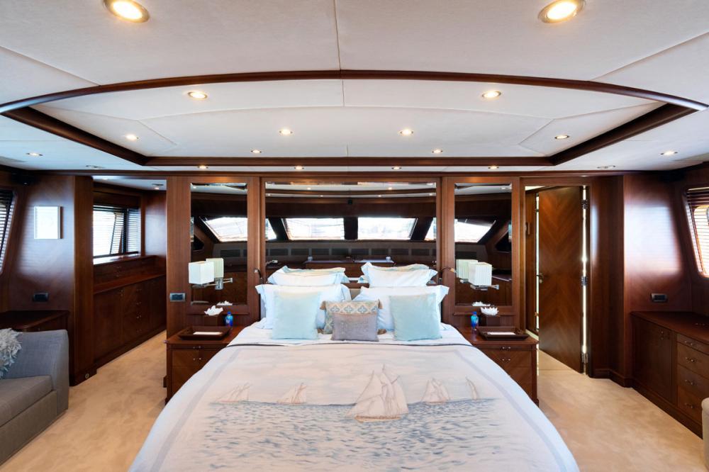 SEABLUE'Z - Luxury Motor Yacht For Charter - 1 MASTER CABIN - Img 1 | C&N