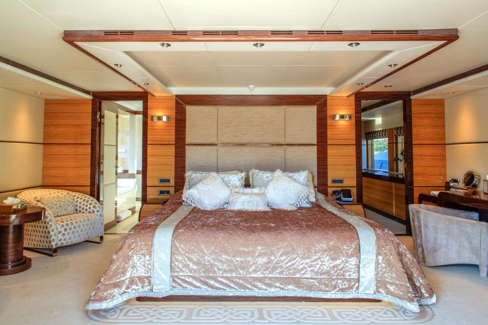 I SEA - Luxury Motor Yacht For Charter - 1 MASTER CABIN - Img 2 | C&N