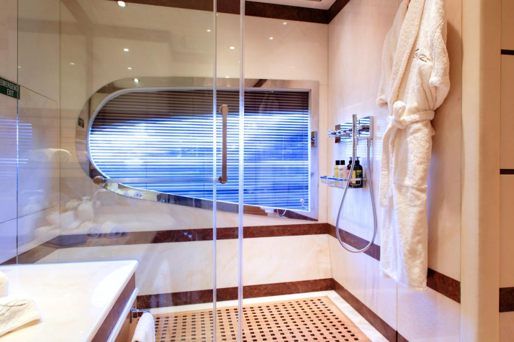 I SEA - Luxury Motor Yacht For Charter - 2 DOUBLE CABINS - Img 3 | C&N
