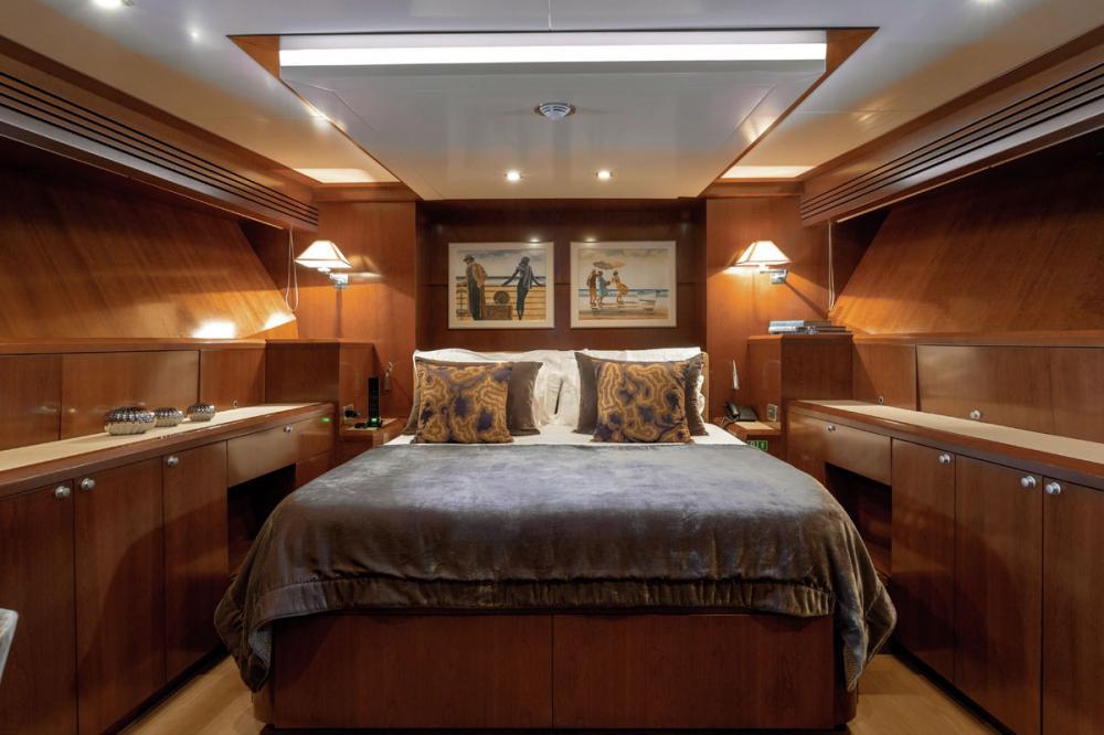 W EXPLORER - Luxury Motor Yacht For Charter - VIP Cabins - Img 1   C&N