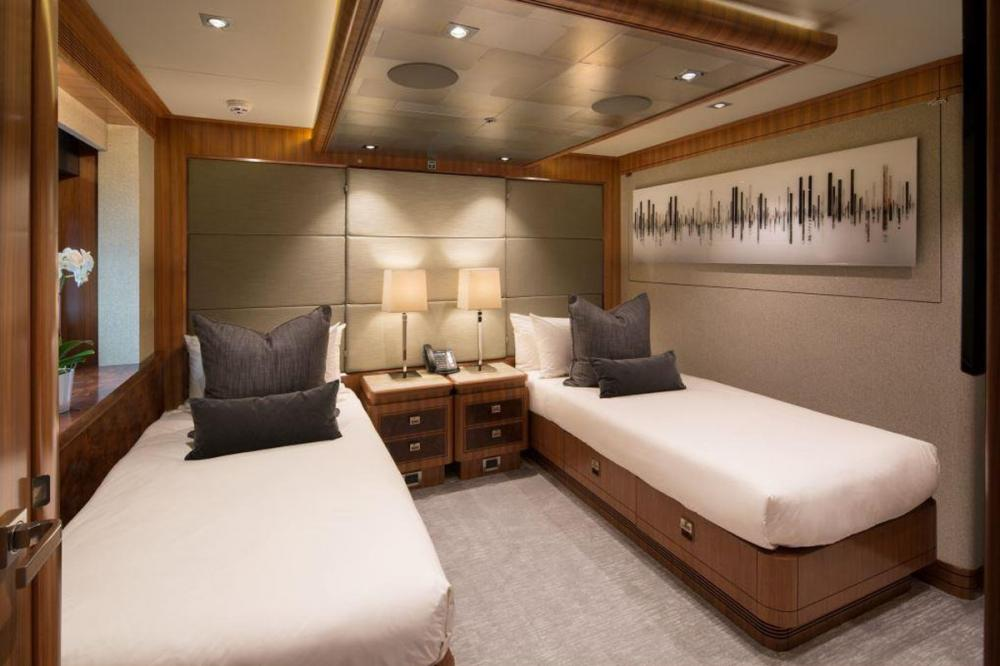 MUCHOS MAS - Luxury Motor Yacht For Charter - Two Convertible Cabins - Img 1 | C&N