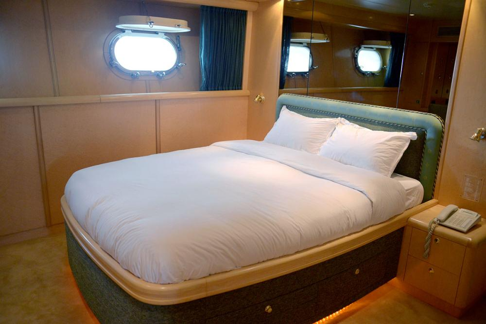 HAPPY LIFE - Luxury Motor Yacht For Sale - DOUBLE CABINS - Img 2 | C&N