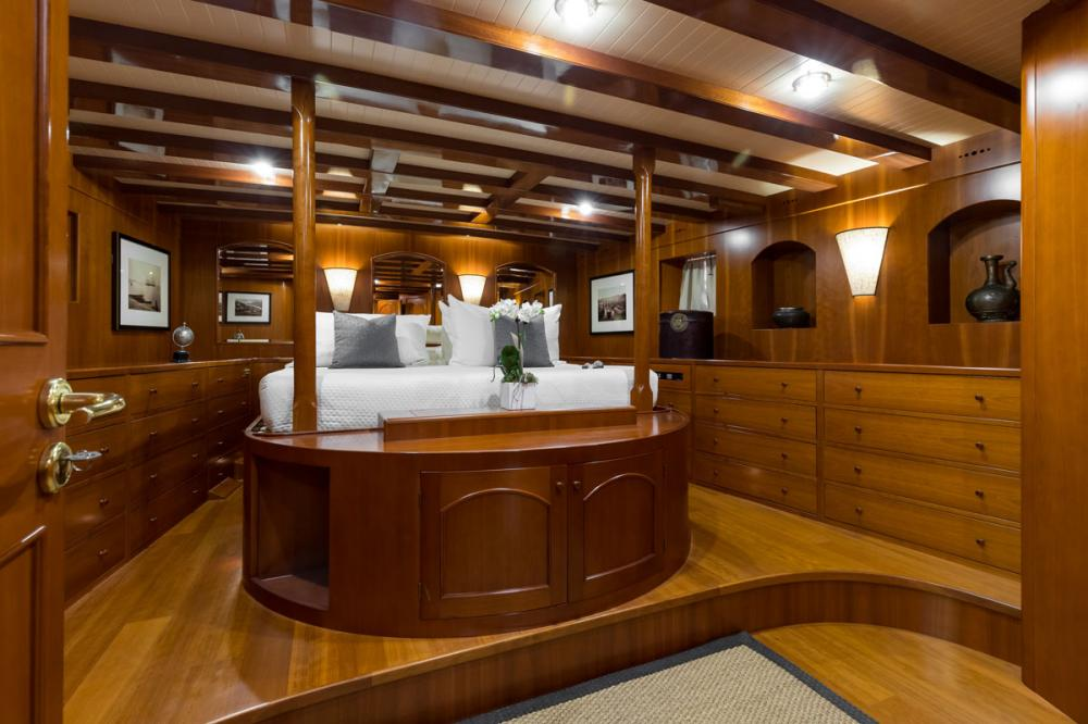 OVER THE RAINBOW - Luxury Motor Yacht For Charter - 1 MASTER CABIN - Img 1   C&N