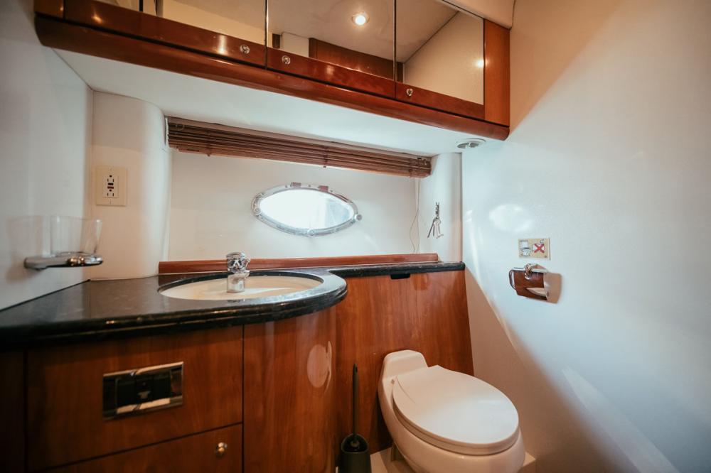 Houri - Luxury Motor Yacht For Sale - 1 Twin Cabin - Img 2   C&N