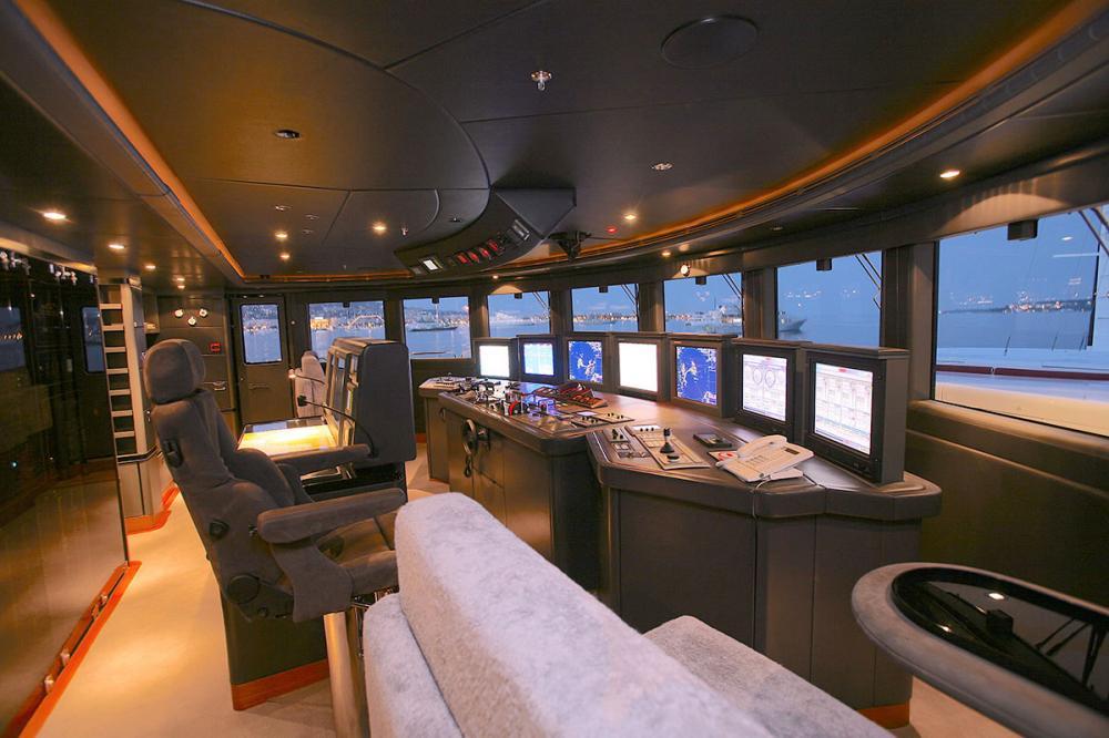 AMBROSIA - Luxury Motor Yacht For Sale - Pilot House - Img 1 | C&N
