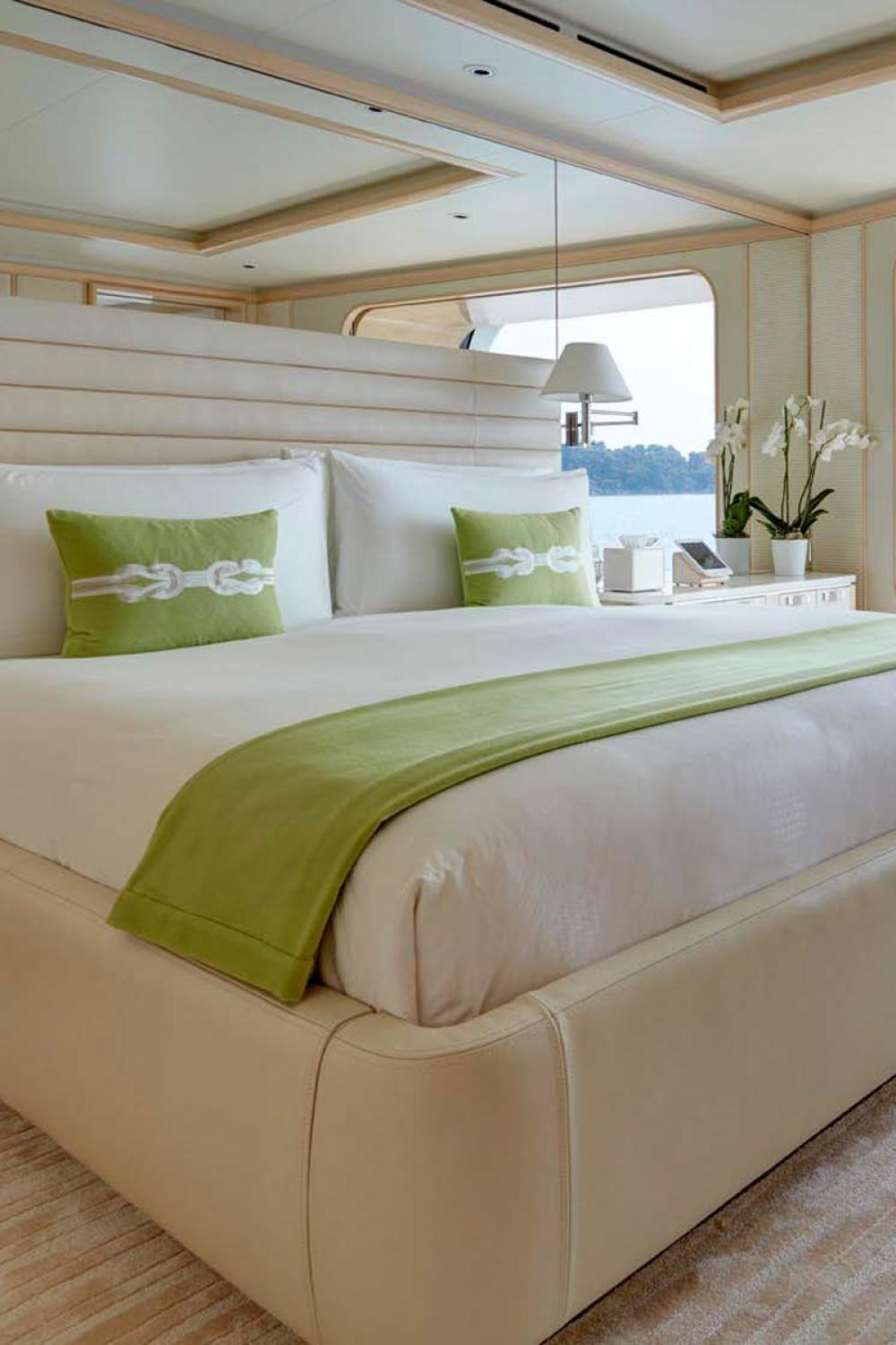 AQUARIUS - Luxury Motor Yacht For Charter - 6 VIP Cabins on the main deck - Img 5   C&N