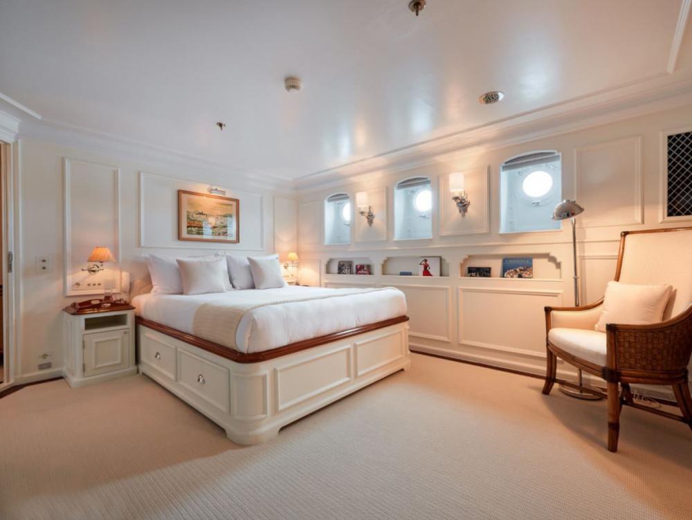 HAIDA 1929 - Luxury Motor Yacht For Charter - Three Double Cabins - Img 1 | C&N