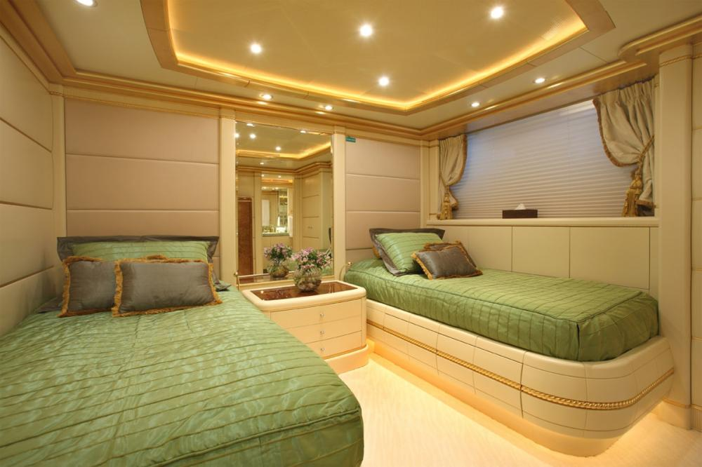 PLATINUM - Luxury Motor Yacht For Charter - Two Twin guest suites with additional pullman berth - Img 1 | C&N