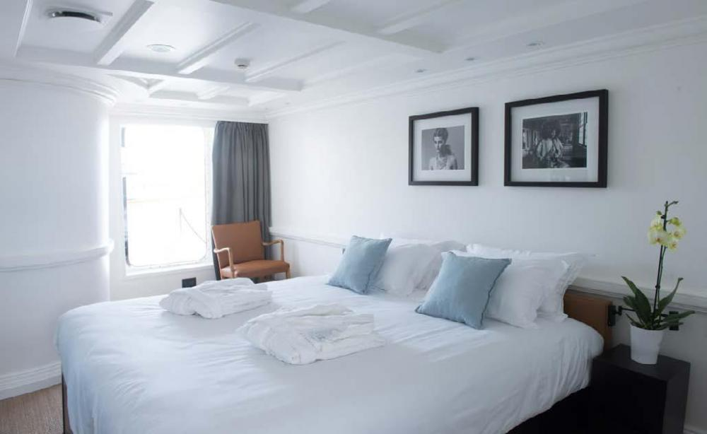 MENORCA - Luxury Motor Yacht For Charter - VIP Cabin - Img 1   C&N