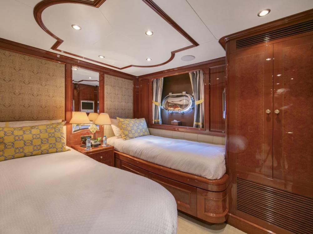 DXB - Luxury Motor Yacht For Charter - 2 Twin Cabins with ensuite  - Img 1 | C&N