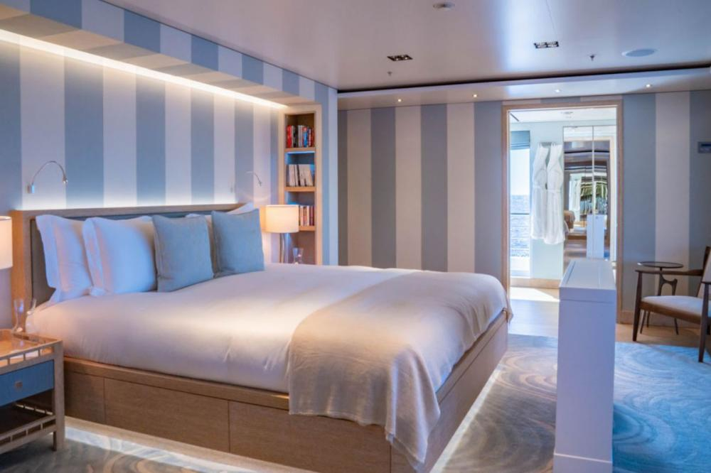 PLANET NINE - Luxury Motor Yacht For Charter - x5 King Guest Cabins on lower deck - Img 1 | C&N