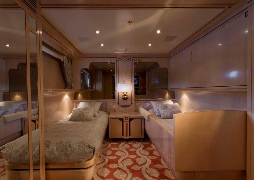 EMERALD - Luxury Motor Yacht For Charter - Two Twin Cabins, both with Pullman Berths - Img 1   C&N