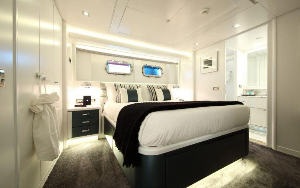 SUD - Luxury Motor Yacht For Charter - Two Double Cabins - Img 2 | C&N