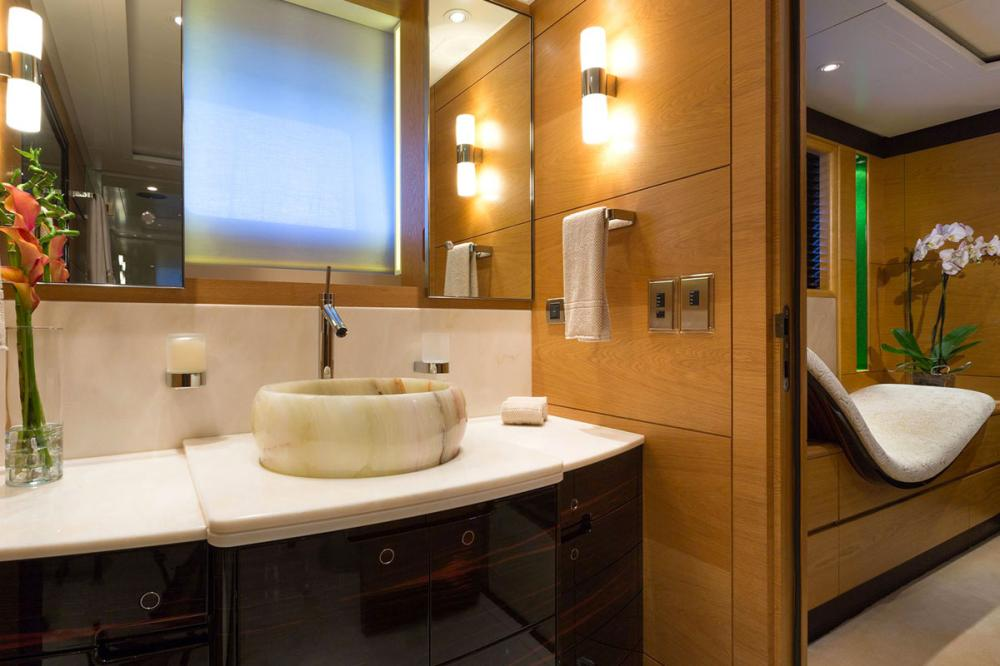 Q - Luxury Sailing Yacht For Charter - 2 DOUBLE CABINS - Img 5 | C&N