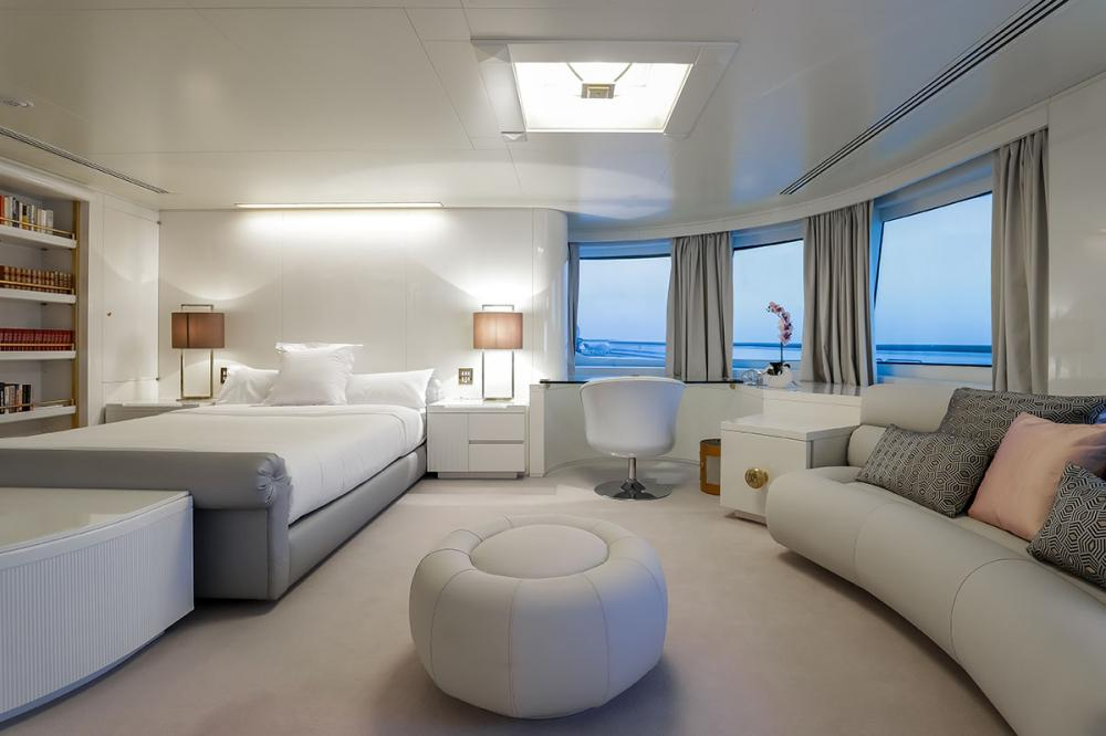 LADY MOURA - Luxury Motor Yacht For Sale - Guest Cabins - Img 1 | C&N