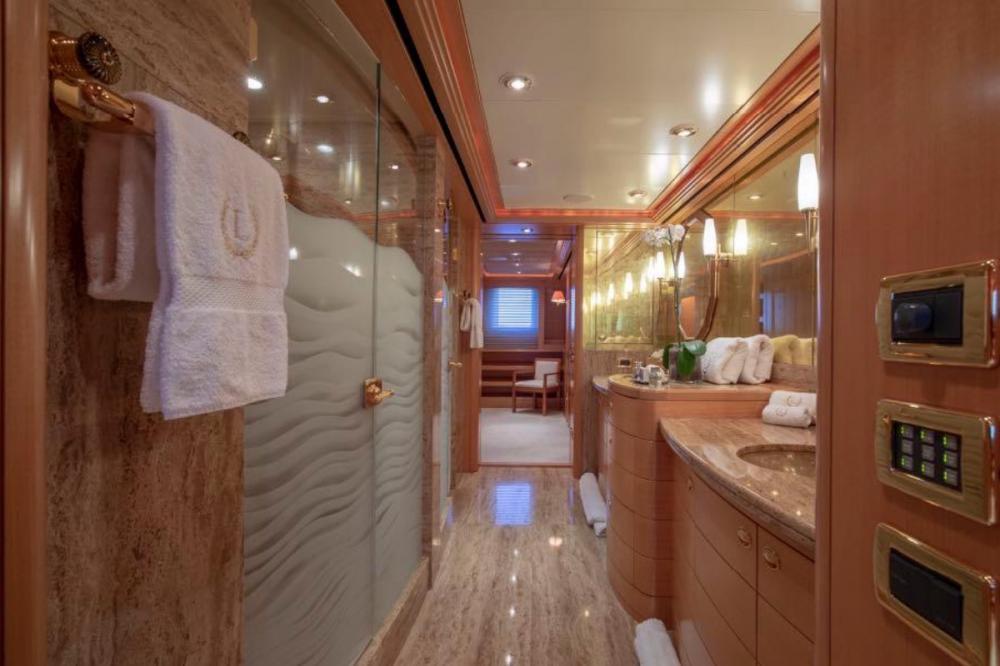 LAUREL - Luxury Motor Yacht For Charter - Master Suite - Img 5 | C&N