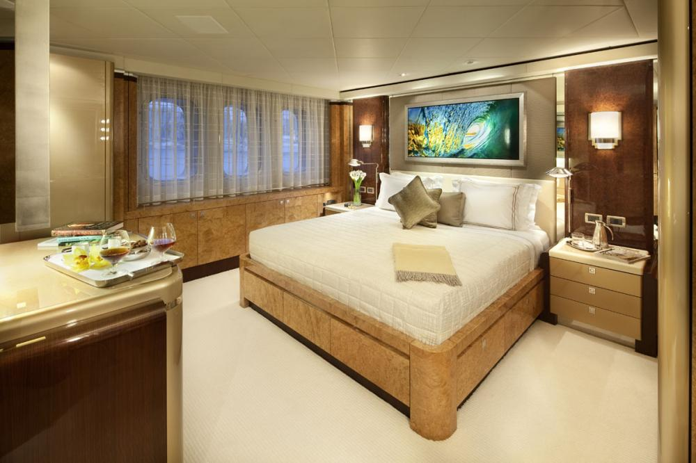 SYCARA V - Luxury Motor Yacht For Charter - 2 TWIN CABINS   1 SINGLE CABIN - Img 2   C&N