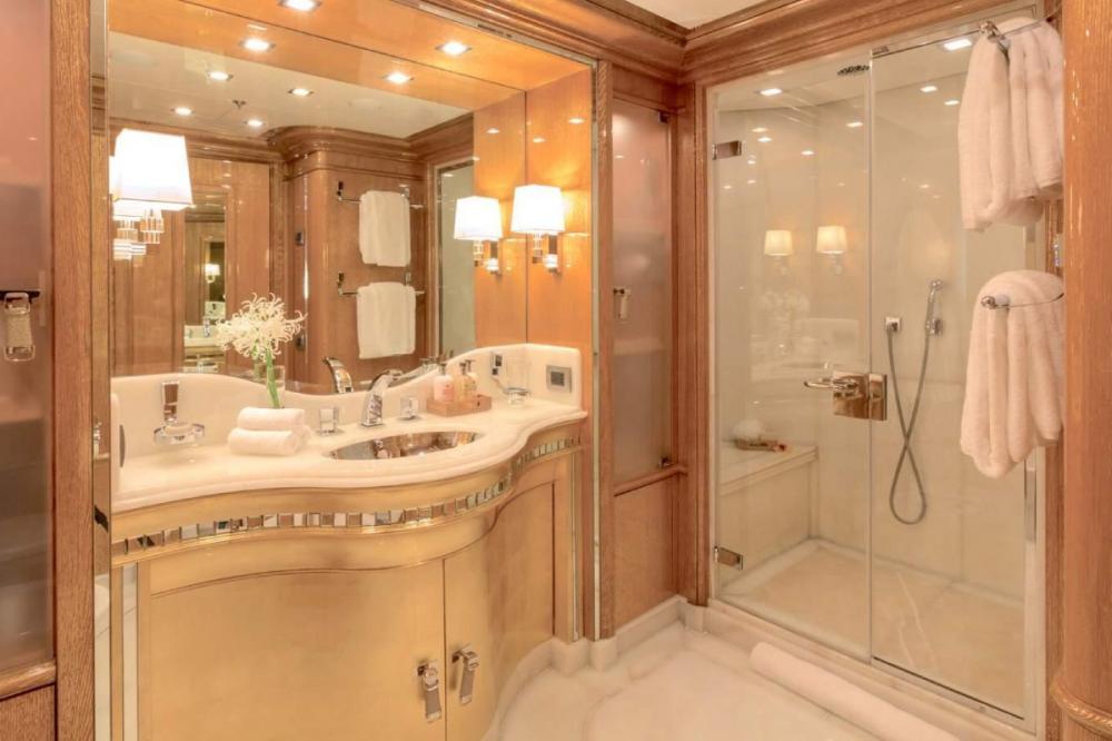 ANDIAMO - Luxury Motor Yacht For Charter - VIP Queen - Img 2   C&N