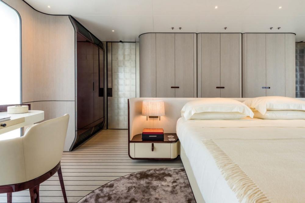 SOL - Luxury Motor Yacht For Sale - Owner Suite - Img 1   C&N